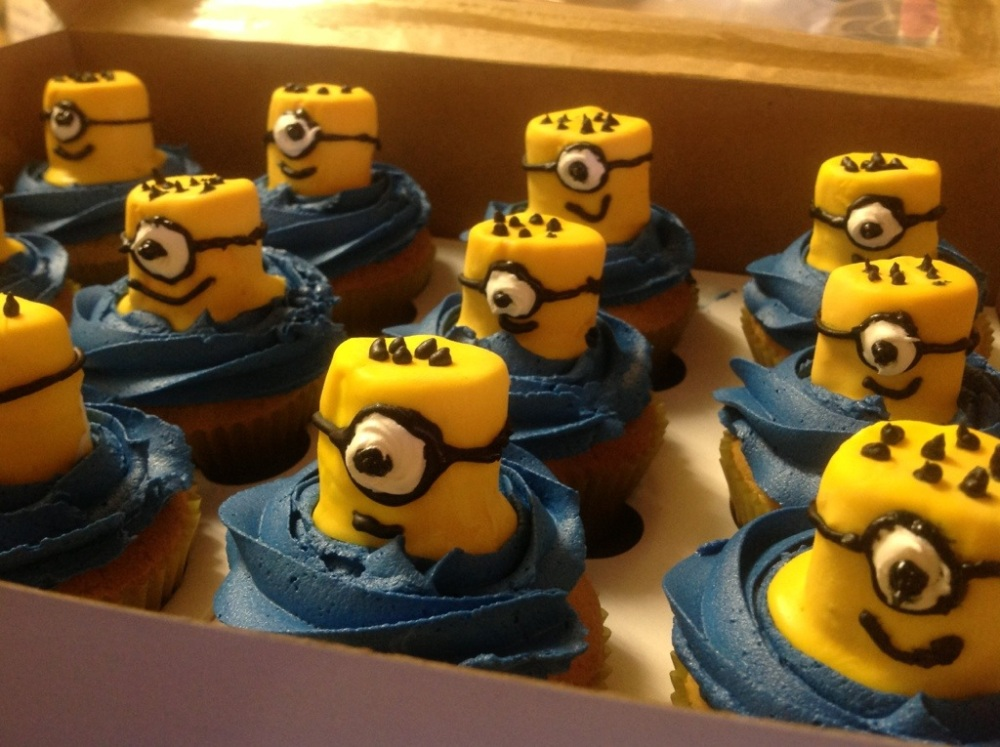 Pics Of The Week Part 2: Despicable Me , A Baby Shower And A Birthday Cake (1/6)