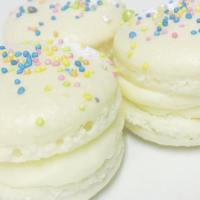 CLOSEUP WHITE SPRINKLES
